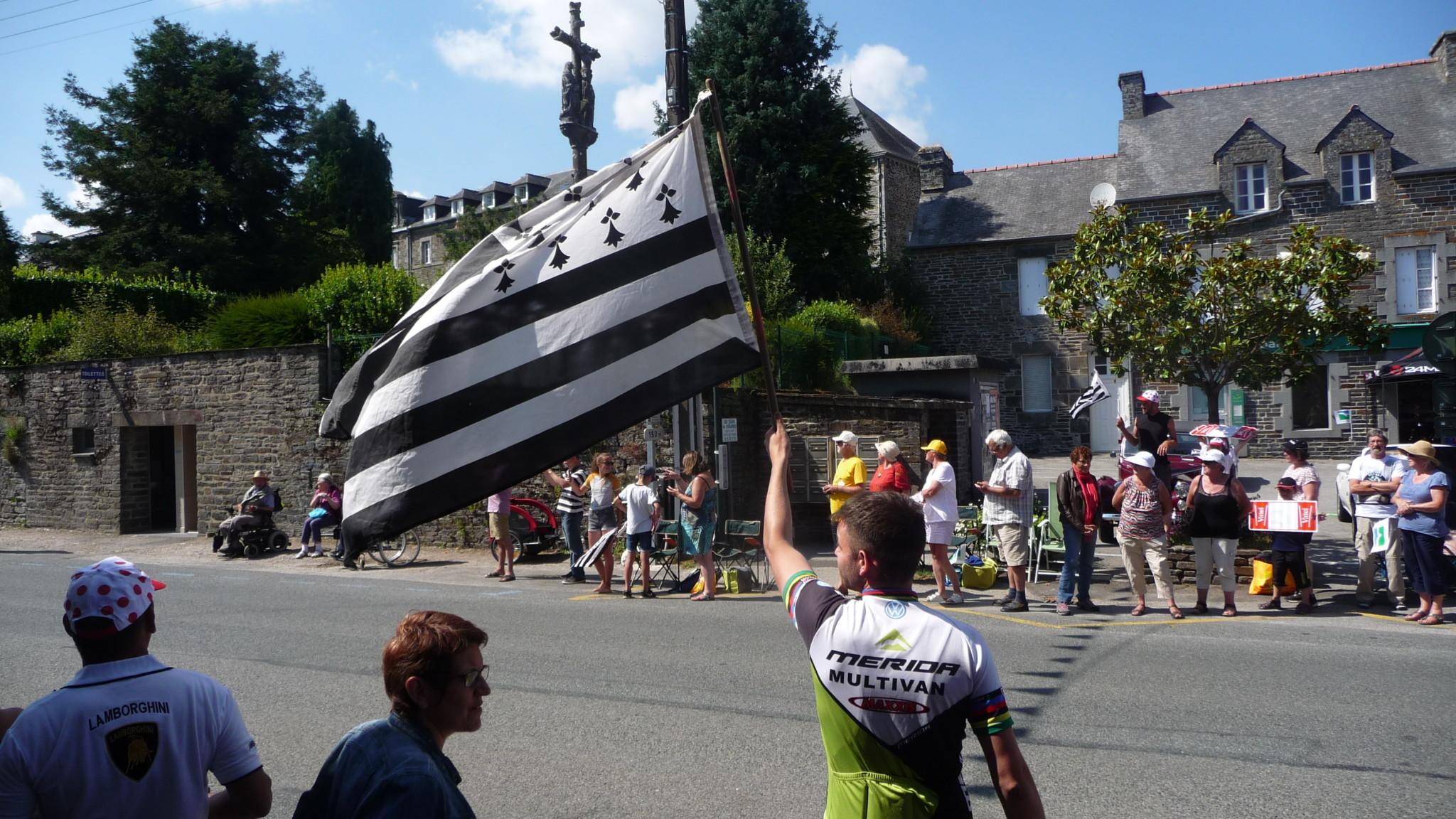 Passage du tour de France à Gouarec le 12 juillet 2018