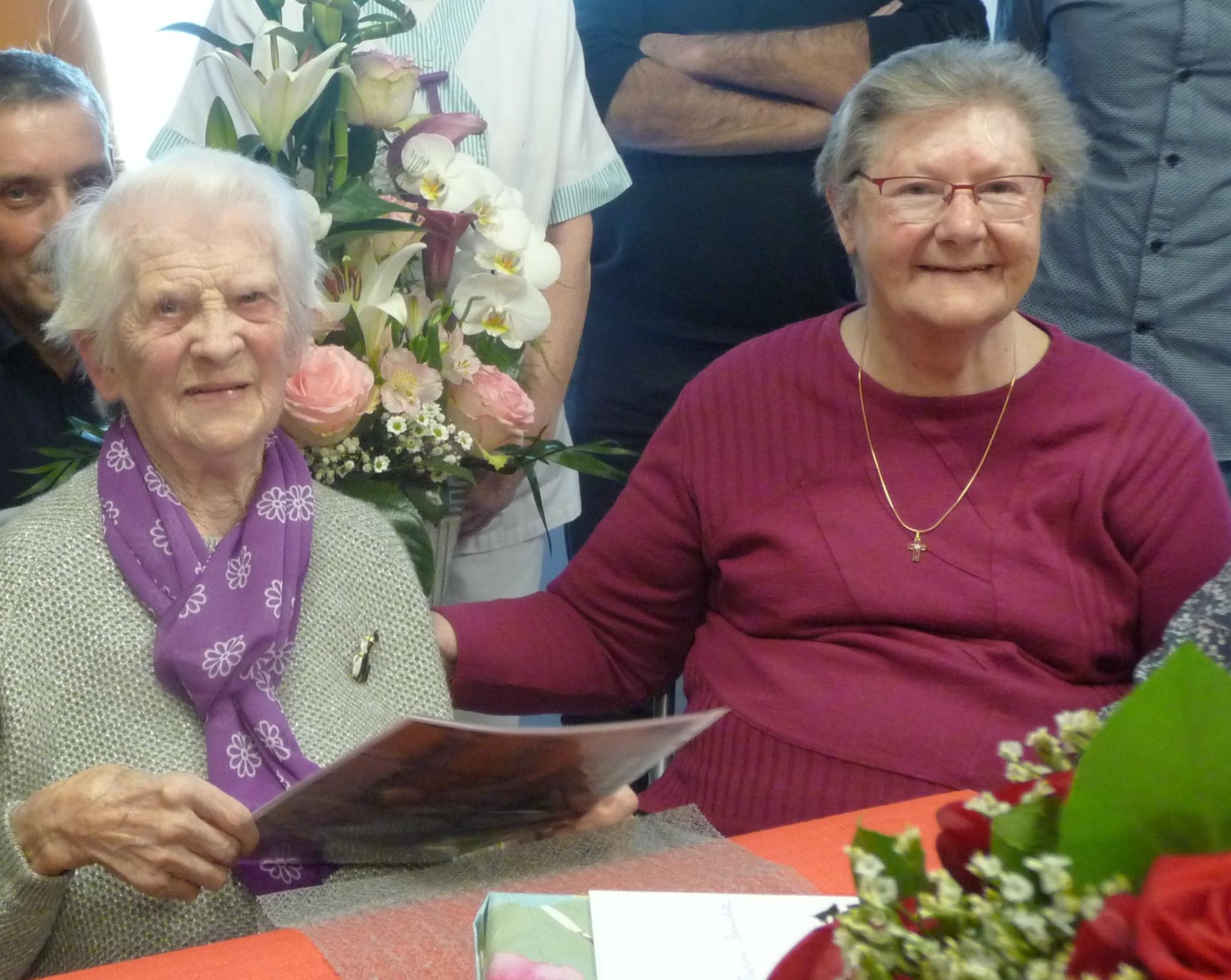 Bon anniversaire à Notre Doyenne pour ses 102 ans…